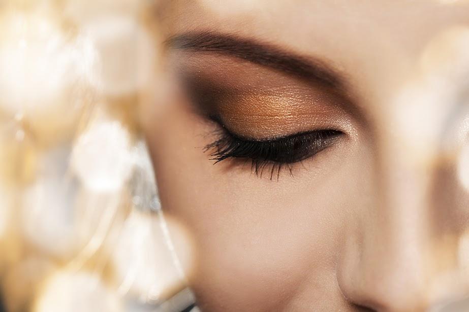 Super Un maquillage estival, avec des fards à paupières Doré & Bronze  TZ94